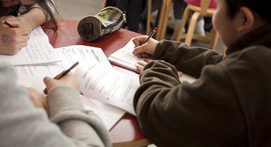 Over 75 procent af skoleeleverne svarer, at skoledagen er for lang.