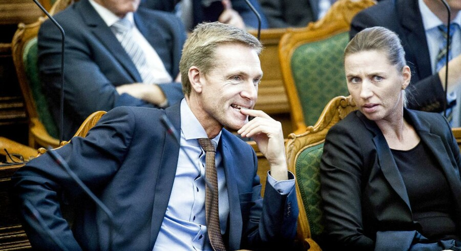 (ARKIV) Kristian Thulesen Dahl og Mette Frederiksen under åbningsdebatten i Folketinget torsdag den 6. oktober 2016. (Foto: Liselotte Sabroe/Scanpix 2017)