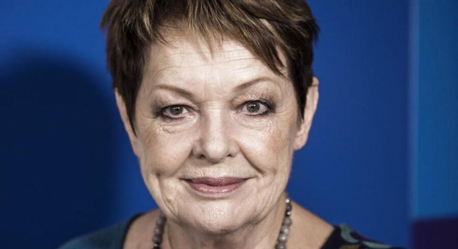 Ghita Nørby forlader teaterforestilling på grund af »overanstrengelse«.