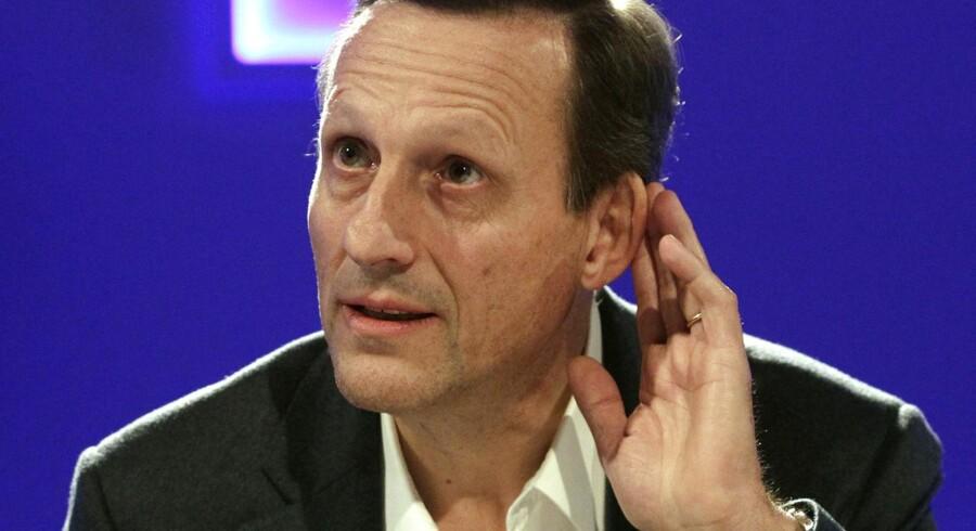 Daniel Vasella blev tilbudt næsten en halv milliard i fratrædelse til stor forargelse for de schweiziske borgere.