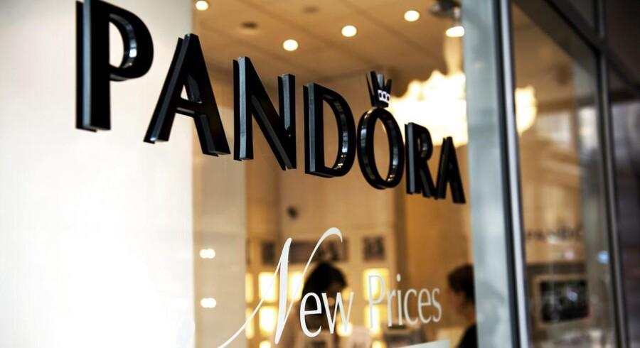 Pandora på Strøget. Pandoras omsætning steg med 32,5 procent i 2014. Årets resultat blev 3,1 milliard, hvilket er én milliard bedre end i 2013. (Foto: Nils Meilvang/Scanpix 2015)