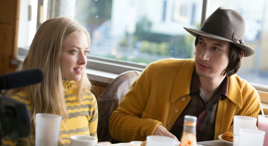 Adam Driver og Amanda Seyfried giver den som et ungt hipster-par i »While We're Young«. Foto: PR