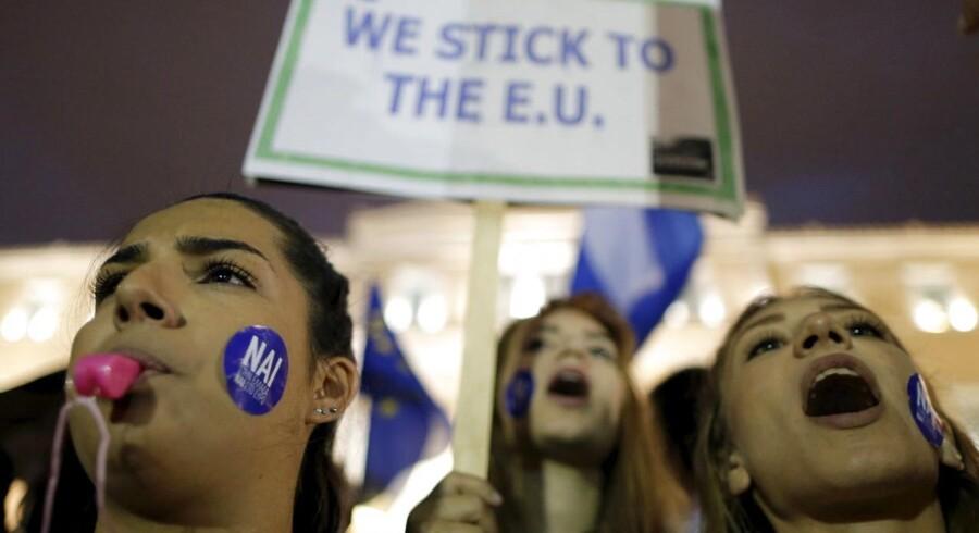 Mange unge europæere håber, at EU vil redde dem med en ny hjælpepakke. Nu prøver en crowdfundingkampagne at indsamle 1,6 milliarder euro til grækerne.