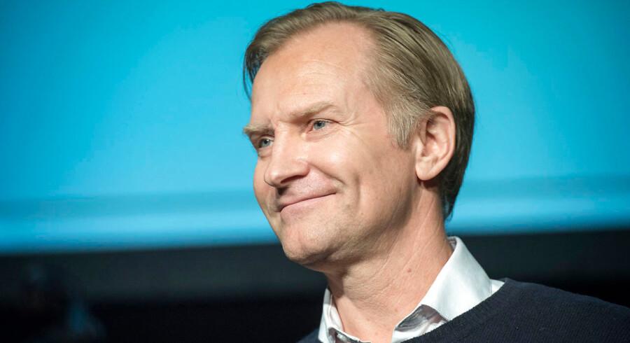 -arkiv- SE RITZAU Ulrich Thomsen er indstillet til filmhæder som Ricardo. BV.: Uddeling af Ove Sprogøe-prisen til en person, der belønnes for en usædvanlig præstation på teatret eller på film det forgangne år. I udnævnelsen er der lagt vægt på, at vedkommende har et talent med potentiale til at opnå samme folkelige og brede appel som Ove Sprogøe. Skuespiller Ulrich Thomsen modtager Ove Sprogøe-prisen mandag d. 21. december 2015 hos Nordisk Film i Valby. (Foto: Jens Nørgaard Larsen/Scanpix 2015)