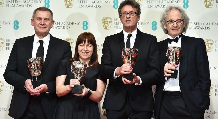 Fra venstre mod højre: Her har producerne Piotr Dzieciol og Ewa Puszczynska, instruktøren Pawel Pawlikowski og den sydafrikanskfødte producer Eric Abraham modtaget deres statuetter ved Bafta-prisuddelingen.