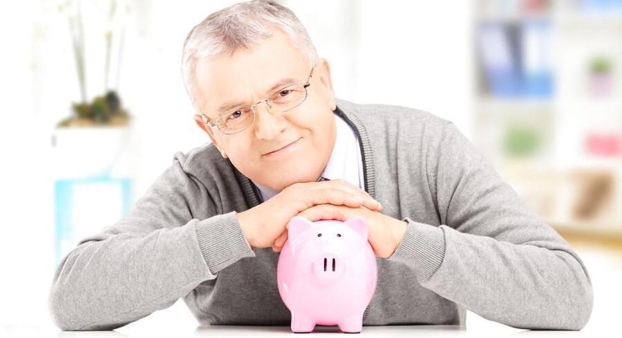 Efter det modsatte budskab har runget i årevis, konkluderer landets næststørste pensionsselskab Danica, at langt over en halv million danskere ligger for mange penge i grisen til deres pension.