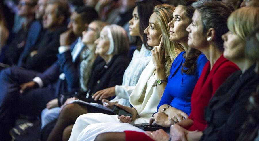 RB Plus: Direktør: Modeugen skal være endnu mere grøn. ARKIVFOTO: Copenhagen Fashion Summit. Fokus på løsninger indenfor bæredygtig mode. HKH Kronprinsesse Mary med Eva Kruse og økonomi- og indenrigsminister Margrethe Vestager (R).