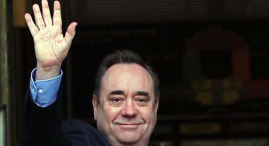»Slap nu af, kvinde,« lød det fra den skotske nationalist Alex Salmond i en hidsig ordveksling med den konservative minister Anna Soubry. Så brød stormen løs på de sociale medier, og Soubrys partifælle Sarah Wollaston konkluderede, at »det er sexistisk« at tale sådan til en kvindelig kollega. Det fik flere andre til at minde om, at den konservative premierminister David Cameron tilbage i 2011 sagde »slap nu af, søde« til et kvindeligt Labour-medlem. Arkivfoto: Ian MacNicol/AFP