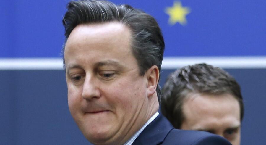 På mandag er det planen, at EUs regerings-ledere skal orienteres om forslaget til en britisk EU-reformpakke, som skal danne baggrund for folkeafstemningen i Storbritannien, og derfor har David Cameron travlt. Så travlt, at et besøg fredag i Danmark og Sverige blev aflyst.