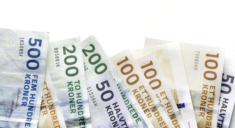 Danske ledere fik sidste år 2,5 procent mere i løn, mens ansatte kun fik det halve.