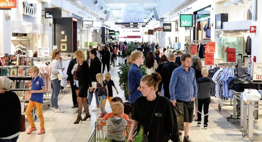 Danmarks største butikscenterejer har ofte 50 projekter om året – de tre største runder 1,5 mia. kr.. En af disse ses på billedet, Randers Storcenter.