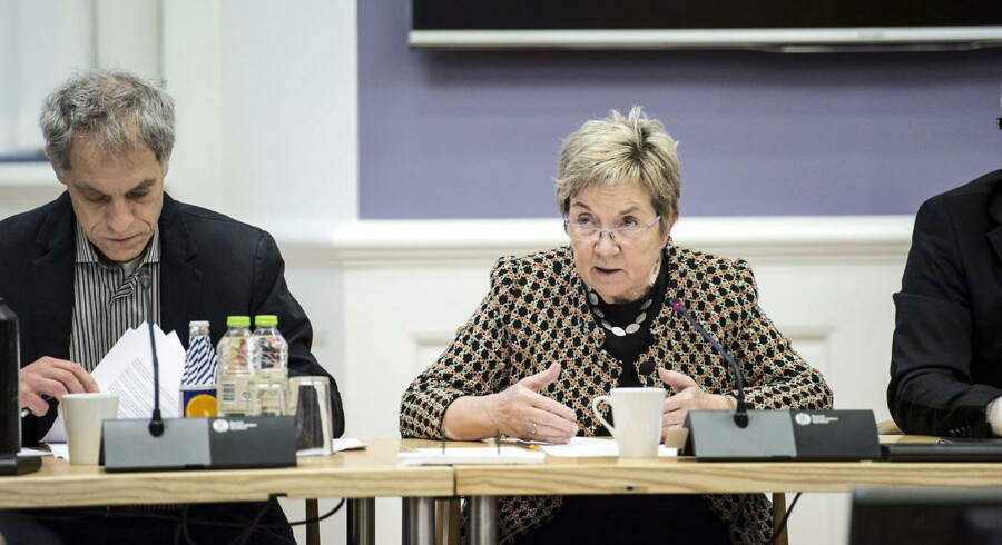 Samråd med Kulturminister Marianne Jelved (R) vedrørende DRs Underholdningsorkester onsdag morgen d. 3. december 2014 på Christiansborg.