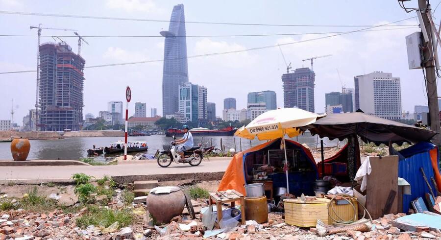 Udviklingen går stærkt i Vietnam. Her ses Ho Chi Minh Citys kontrastfyldte skyline.