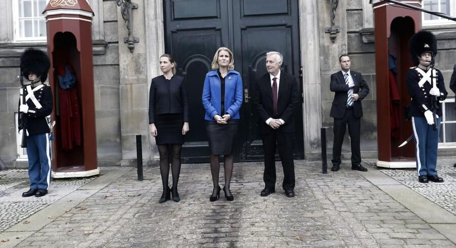 Statsministeren foran Amalienborg i forbindelse med den seneste regeringsrokade.