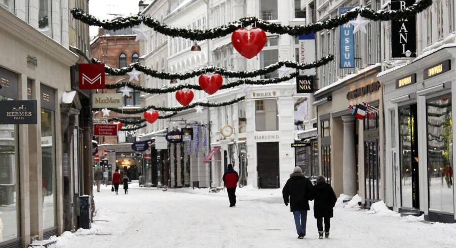 Ifølge DMI kan man godt glemme alt om en slentretur på et snefyldt Strøget den 24. december.