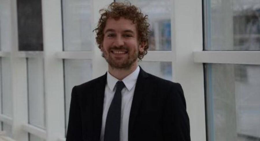 Jonas Hansen er ansat som global program manager hos medicovirksomheden Coloplast. Han skal arbejde med udvikling af virksomhedens globale marketingprogrammer. Han kommer fra en stilling som seniorkonsulent hos Deloitte.