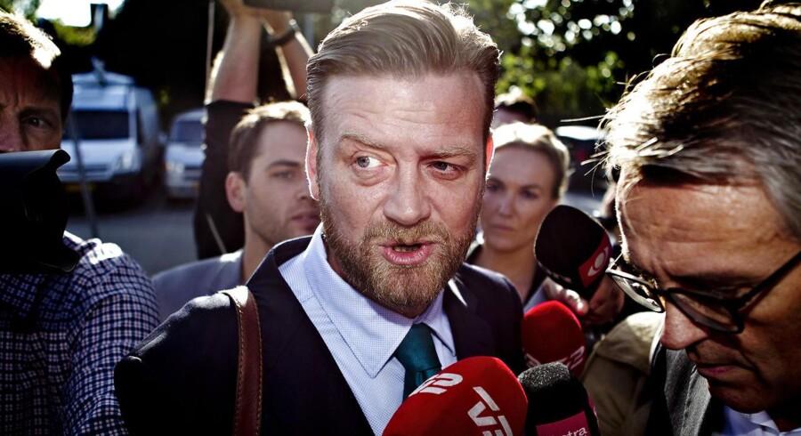 Anklagemyndigheden dropper sigtelsen mod eks-spindoktor Peter Arnfeldt for at have lækket fortrolige skatteoplysninger om Helle Thorning-Schmidt (S).