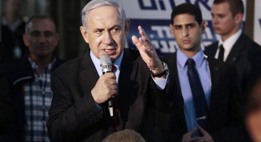 Skal man tro de seneste meningsmålinger, står Israels premierminister, Benjamin Netanyahu, over for et valgnederlag. Dette er dog langtfra ensbetydende med, at han kommer til at stå uden politisk magt i Israel.