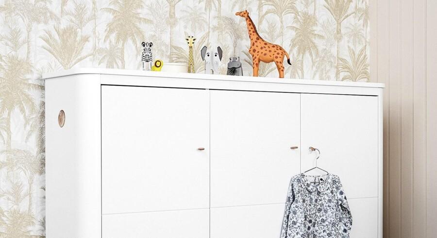 Noget af det vigtigste, når man indretter et børneværelse, er at sørge for, at der er plads til legetøj, bamser og alle de andre ting, der nemt kan give et rodet værelse.