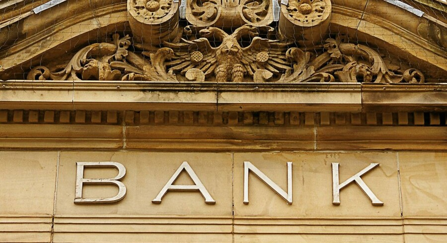 Faldende rente- og gebyrindtægter er blandt hovedårsagerne til, at Djurslands Bank er gået tilbage både på top- og bundlinjen i årets første kvartal.