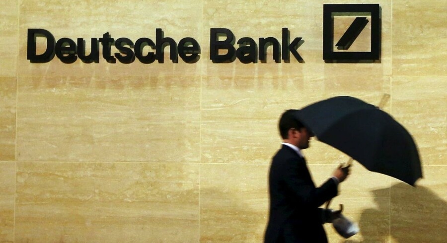 Et underskud på 6,8 mia. euro (51 mia. kr.) i 2015 stopper ikke bonusfesten i Deutsche Bank. REUTERS/Luke MacGregor/Files