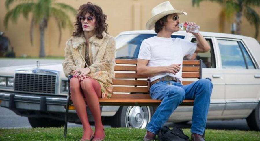 Matthew McConaughey (th) spiller hovedrollen i den amerikanske film »Dallas Buyers Club«, som i år vandt to Oscars. Danske fildelere får i øjeblikket tilsendt bøder af den amerikanske rettighedshaver til filmhittet for ulovligt at have downloadet deres produkt. Pressefoto fra filmen.