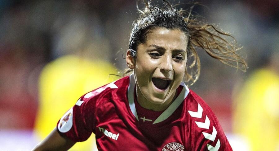 Nadia Nadim i landskampen Danmark - Sverige, EM kvalifikation på Viborg Stadion, d. 20. september 2016. Nadia Nadim var med to mål i fokus efter en turbulent dag, da Danmark slog Ukraine i VM-kvalifikationen. Det skriver Ritzau, fredag den 8. juni 2018.