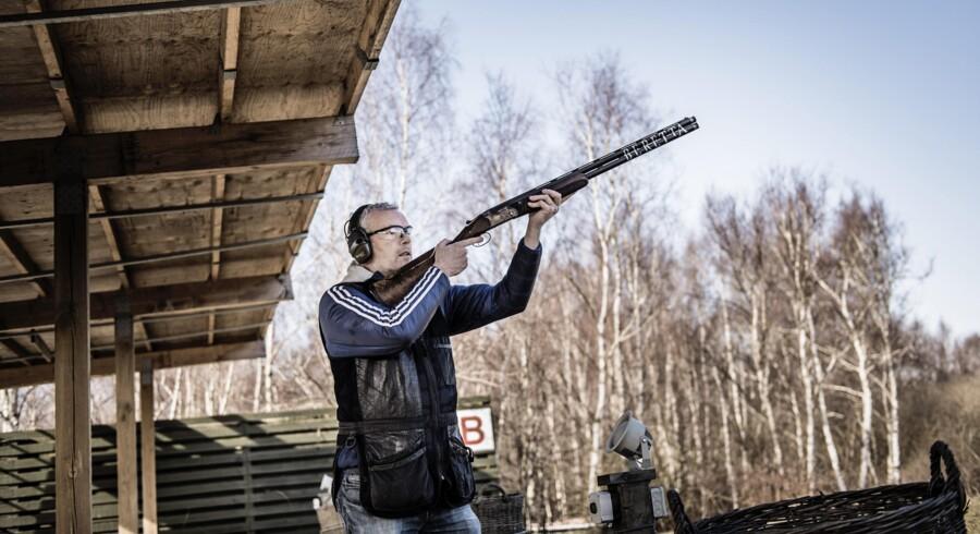 »Mit buddhistiske zen«. Sådan kalder Søren Malling sin hobby med at skyde lerduer. På skydebanen slapper han af og lader sig selv op med ny energi.