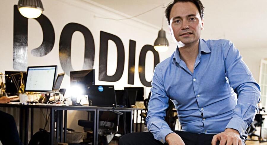 """Den danske it-iværksætter Tommy Ahlers slår til lyd for, at flere skal turde bruge det """"runde"""" bat i bestræbelserne på at slå igennem som vækstiværksættere."""