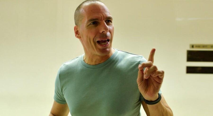 Yanis Varoufakis går tilbage som finansminister, selvom folkeafstemningen gik, som han ville.