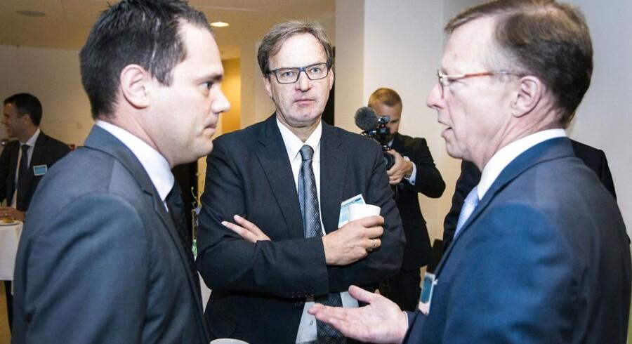Onsdag d. 9. september 2015- - Capital Market Day på Tivoli Hotel om udviklingen i A.P.Møller-Mærsk. Til stede er cheferne for alle Mærsks forretningsområder. Her ses til venstre topchef Nils Smedegaard, i midten Trond Westlie, koncernfinansdirektør i Mærsk og til højre CEO i Mærsk Line Søren Schou. Capital Market Day på Tivoli Hotel om udviklingen i A.P.Møller-Mærsk. Til stede er cheferne for alle Mærsks forretningsområder. Her ses i midten Jan Kjærvik, chef for finansiering og risikostyring, og til højre topchef Nils Smedegaard.