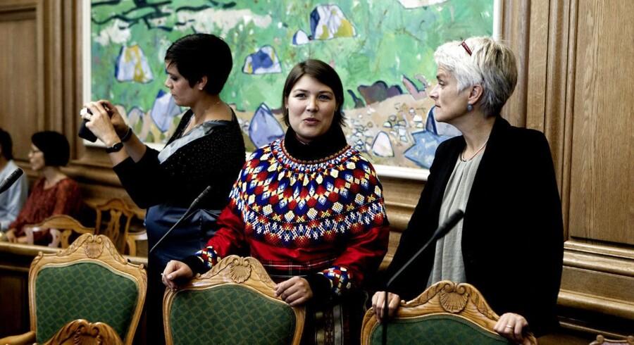 Folketingets åbning 2011. Her Sara Olsvig Inuit Ataqatigiit (IA).