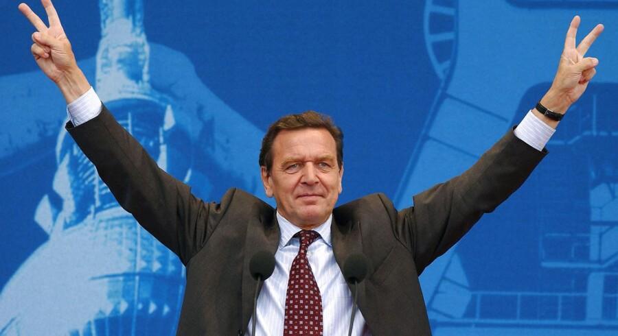 Arkivfoto. Aktionærerne i det store russiske energiselskab Rosneft stemmer om, hvorvidt Tysklands tidligere forbundskansler Gerhard Schröder skal indtræde i selskabets bestyrelse.