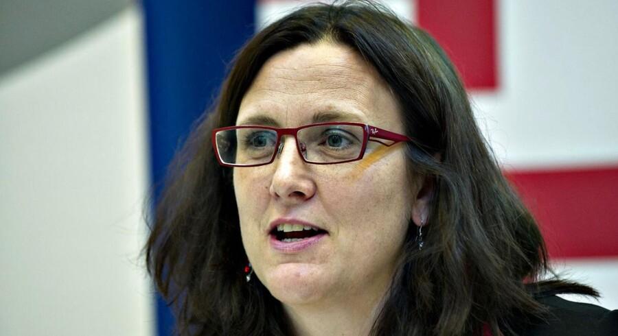 Den svenske EU-kommissær for handel, Cecilia Malmström, erkender, at EU-landene presser hende hårdt for at beskytte deres krav om eksklusivitet på bestemte fødevarer. EU og USA indleder i næste måned nye forhandlinger om en gigantisk frihandelsaftale.