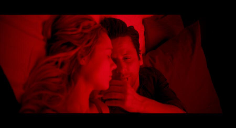 Ross McCall og Kristen Hager i »In Embryo« Pressefoto