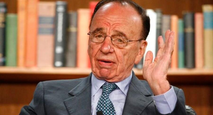 Læserne af Murdochs netaviser får gratis nyheder lidt længere end lovet.