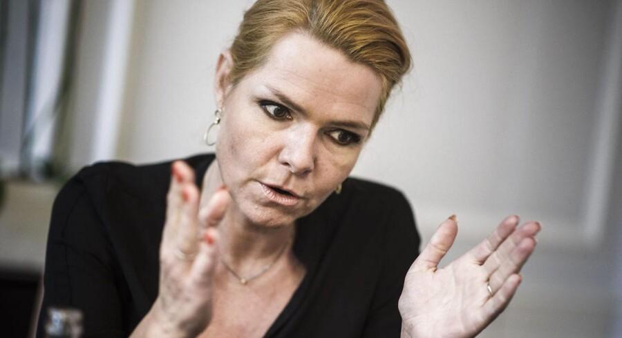 Udlændinge-, integrations- og boligminister Inger Støjberg fotograferet på hendes kontor.