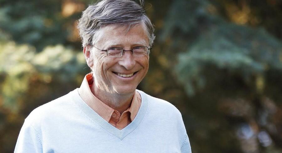 Microsofts grundlægger Bill Gates har god grund til at smile stort hele vejen til banken. Han sidder nemlig på en formue svarende til 378 milliarder kroner og er derfor - stadigvæk - USA's rigeste.