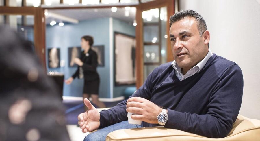 Naser Khader undrer sig over, at så mange ansøgere til dansk statsborgerskab slipper gennem nåleøjet blandt andet med begrundelsen, at de lider af posttraumatisk stress.