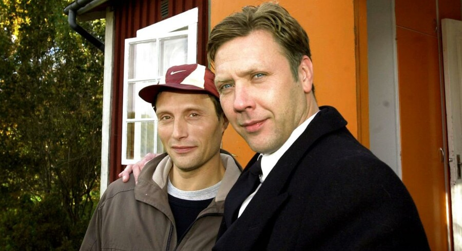 ARKIVFOTO. Mads Mikkelsen og svenske Mikael Persbrandt under indspilningen af en dansk-svensk novellefilm.