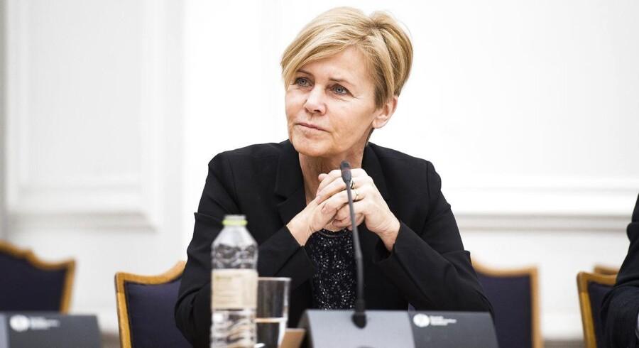 Kulturminister Mette Bock (LA) i åbent samrådet om regeringens ønske om, at der med en nedsættelse af licensen skal produceres mindre dansksproget radio, tv og andet medieindhold onsdag d. 11 januar 2017. (Foto: Ólafur Steinar Gestsson/Scanpix 2017)