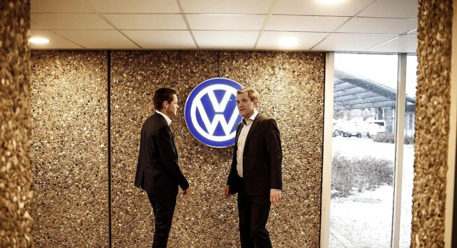 De danske myndigheder forventer ikke, at der vil komme et juridisk opgør med Volkswagen herhjemme, hvor direktør Ulrik Drejsig (t.v) og tidligere direktør og nuværende adm. direktør for Skandinavisk Motor Co, Ulrik Schönemann (t.h.) er og har været i spidsen.