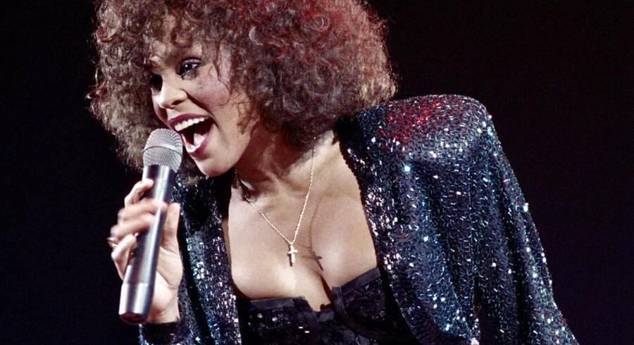 Whitney Houston på toppen af sin karriere i 1988 i Paris. Sangerinden er stadig den mest sælgende kvindelige popkunstner nogensinde.