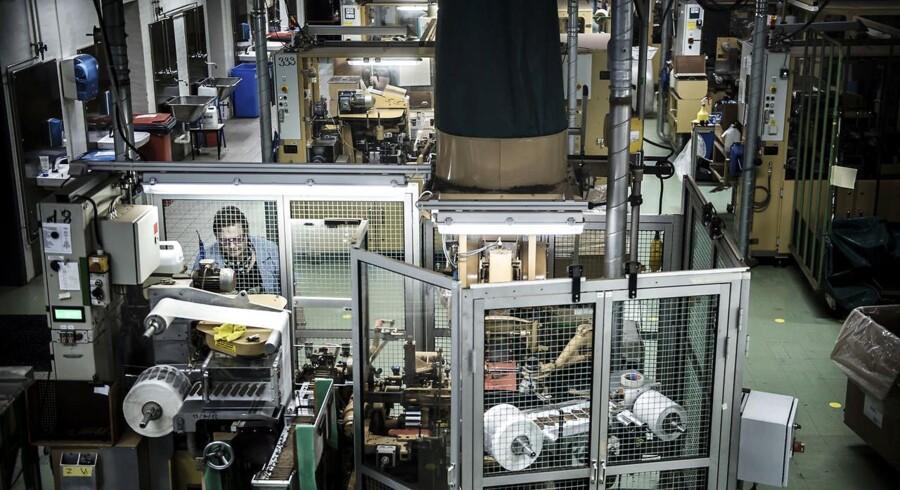 På årsbasis skuffede tallet for industriproduktionen ved at falde med 1,3 pct. mod en ventet fremgang på 0,7 pct. blandt økonomerne.