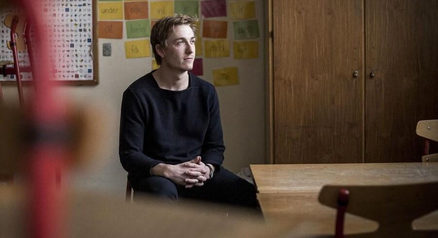 Mads Nørregård Rasmussen har været vikar på Husum Skole i Brønshøj siden 1. november. Han overvejer en fremtid som lærer, og har derfor taget jobbet som lærervikar, indtil han starter på et studie til sommer.