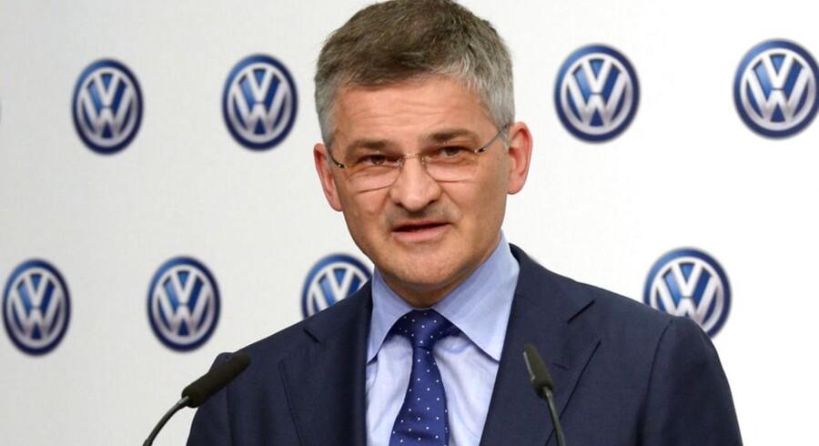 I næste uge skal Volkswagens amerikanske chef, Michael Horn forklare de amerikanske borgere, hvorfor disse enheder var sat i bilerne, hvordan beslutningen om det blev taget - og hvorfor der er gået så lang tid, uden at det er blevet opdaget.