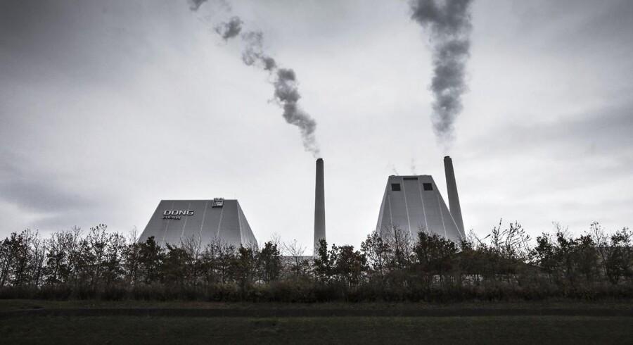 Dong vil i forbindelse med den planlgt børsnotering højst sandsynligt frasælge dele af selskabet, der releaterer sig til dets olie- og gasforretning - også kaldet E&P-forretningen, vurderer senioranalytiker i Sydbank Jacob Pedersen.