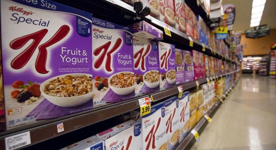 Den stærke dollar gør ondt på den amerikanske fødevareproducent Kellogg, som sælger mange af sine produkter i anden valuta end den amerikanske.