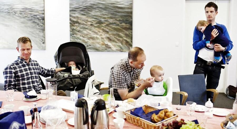 DJØF afholder »For dads only« - en fædregruppe for mænd, der tager mere end 14 dages barsel. Danmark vil kæmpe imod, når EU sigter mod at vedtage et EU-direktiv om øremærket barsel til mænd.