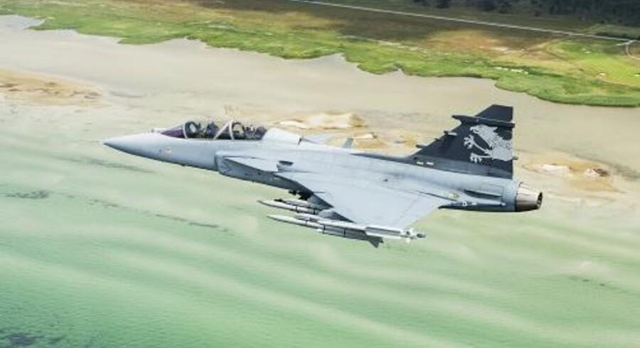 Den svenske våbenproducent Saab har sikret en aftale om at levere 36 Gripen-kampfly til Brasilien.